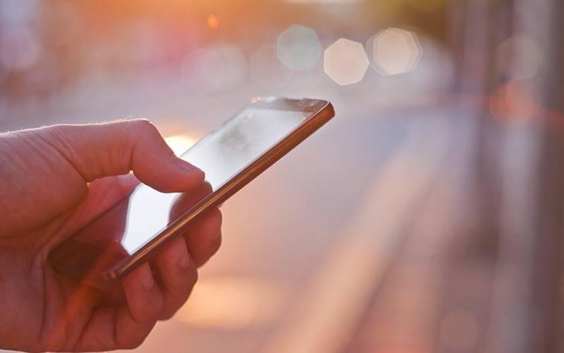 Gastos com publicidade móvel podem superar 210 bilhões de dólares em 2026
